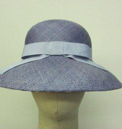 フェミニンつば広帽子