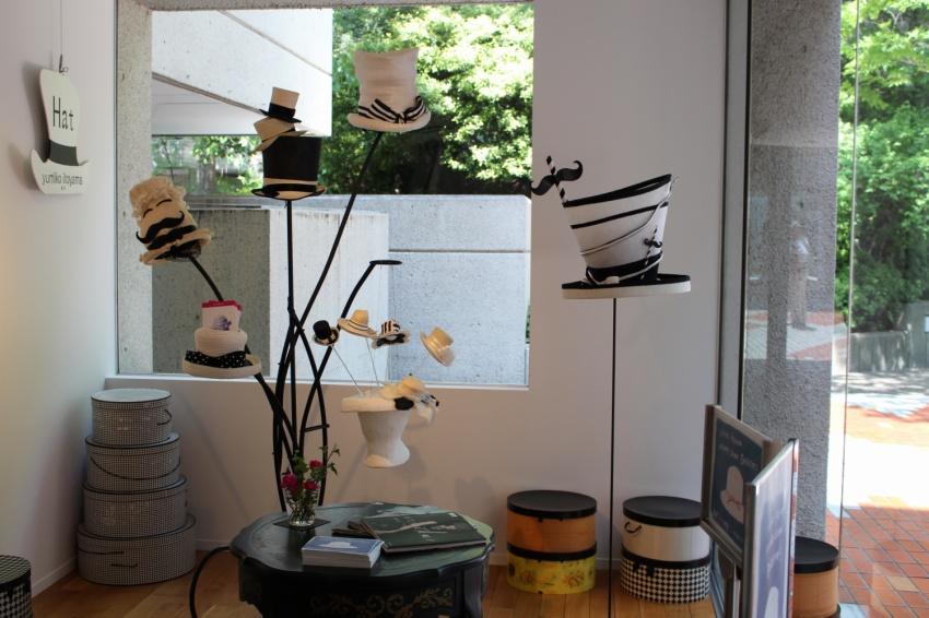 糸山 弓子帽子製作 白&黒シリーズ