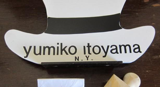 帽子の型で木製のハンコです