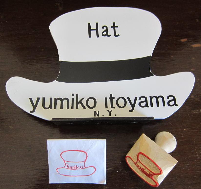 帽子絵の木製ハンコです