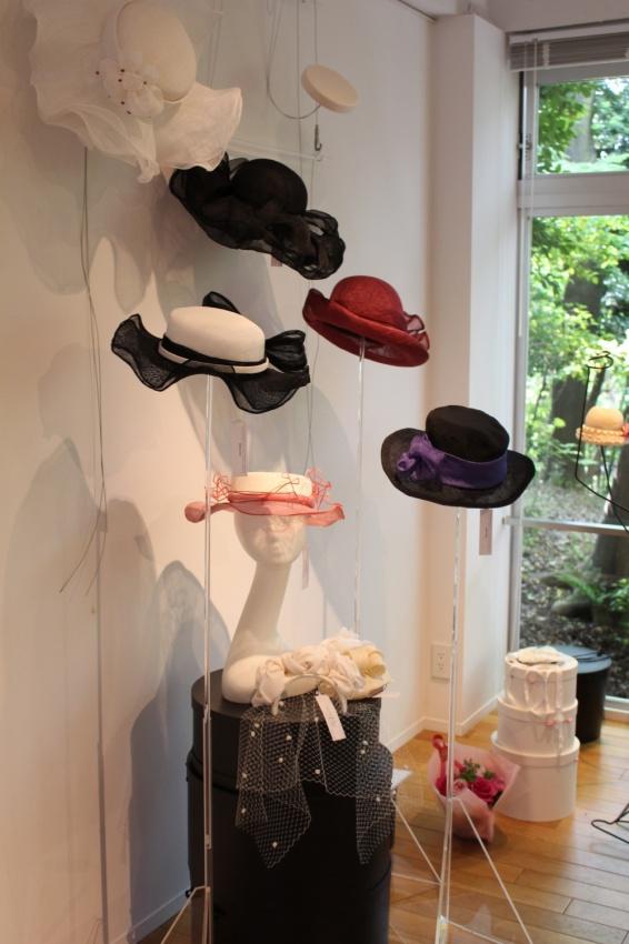 ファンシーなシナマイ素材の帽子たち